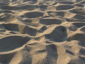Jemandem Sand in die Augen streuen - © Manfred Morgner, Wikipedia